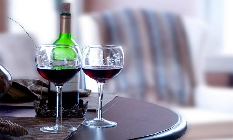 Алкохол и грижа за кожата